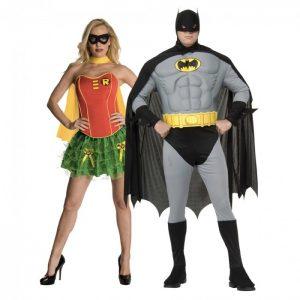 Batman assieme a una Robin al femminile