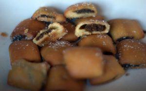 I ravioli dolci fritti nella variante friulana degli strucchi (foto di Dorothy61n1 via Wikimedia Commons)