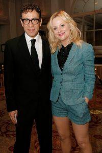 Amy Poehler con il comico Fred Armisen ai Peabody Awards (foto di Anders Krusberg)