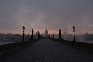 Il suggestivo Ponte Carlo, a Praga