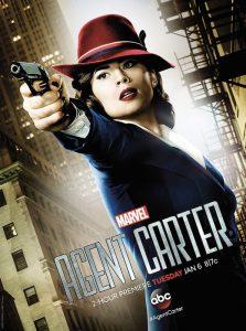 Hayley Atwell sull'immagine pubblicitaria di Agent Carter, la serie che l'ha consacrata