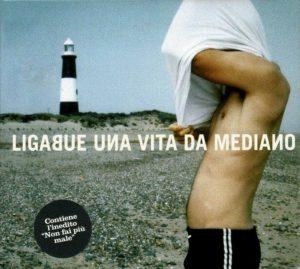 La copertina del singolo di Una vita da mediano, significativa canzone sul calcio di Ligabue