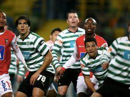 Alla scoperta dei giornali sportivi portoghesi, che ovviamente dedicano molto spazio al calcio (foto di José Goulão via Flickr)