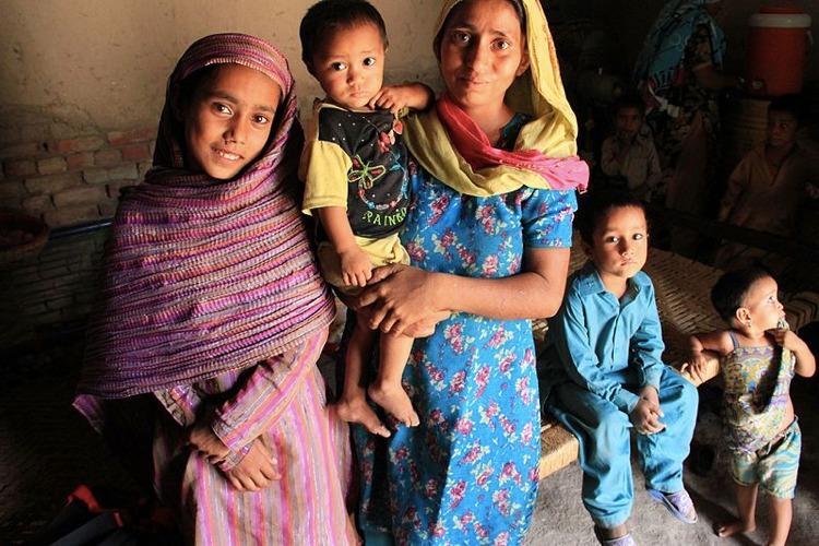 Il buon tasso di fertilità delle famiglie pakistane (foto Vicki Francis/UK Department for International Development)