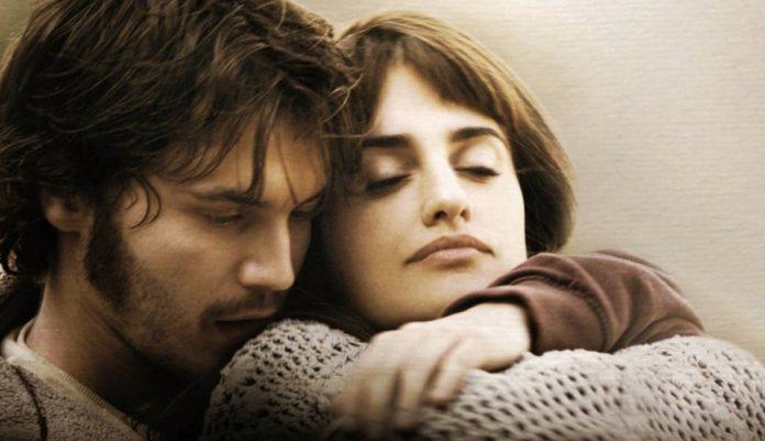 Penélope Cruz e Emile Hirsch nella versione cinematografica di Venuto al mondo