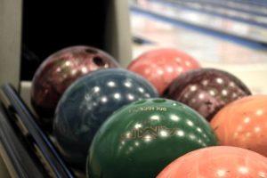 Il bowling è una buona meta per convincere un uomo a dire di sì ad un appuntamento