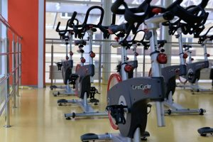 Cyclette in una palestra