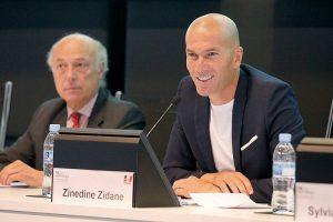 Zinedine Zidane, uno dei più famosi berberi di Francia (foto di power axle via Flickr)