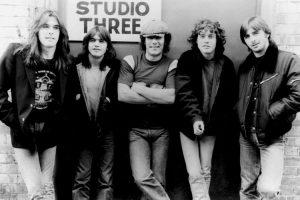 Gli AC/DC, uno dei gruppi hard rock più famosi di sempre