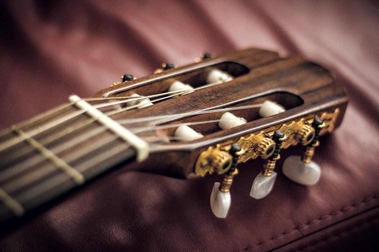 Cinque fondamentali pezzi per chitarra classica