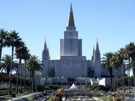 Un grande tempio mormone a Oakland, in California, che ci permette di parlare di come vivono i mormoni