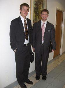 Due giovani missionari mormoni