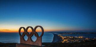 I cinque anelli immortalati in questa scultura a Portland ci introducono all'elenco di tutti gli sport olimpici