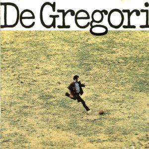 La copertina di De Gregori, in cui Francesco tira proprio un calcio a un pallone
