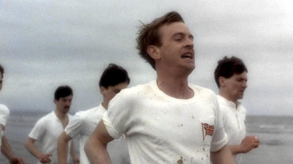 Chariots of Fire è la celebre colonna sonora che Vangelis scrisse per il film Momenti di gloria