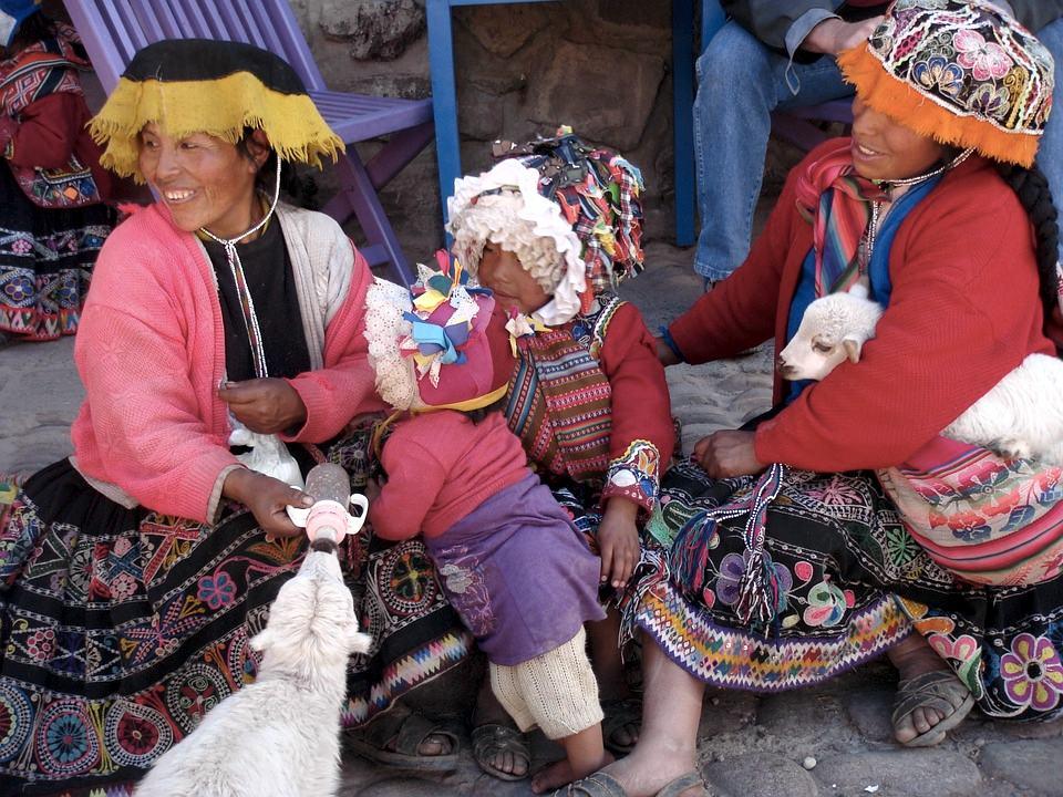 Donne discendenti degli antichi inca, oggi, a Cusco