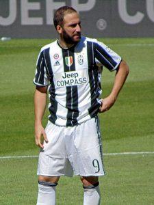 Gonzalo Higuaín, attaccante della Juventus (foto di Leandro Ceruti via Wikimedia Commons)
