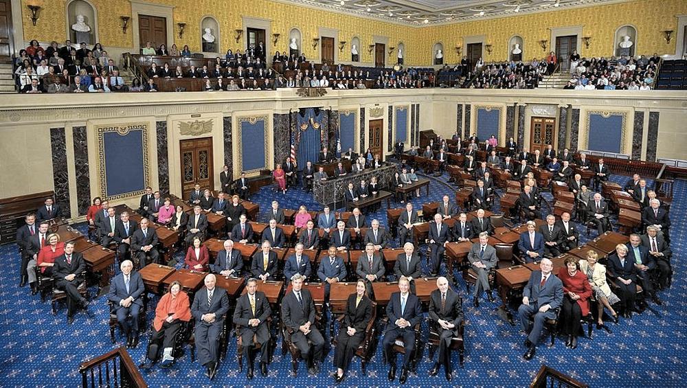 I membri del Senato degli Stati Uniti posano per la foto di rito