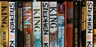 Vari libri di Stephen King (foto di John Robinson via Flickr)