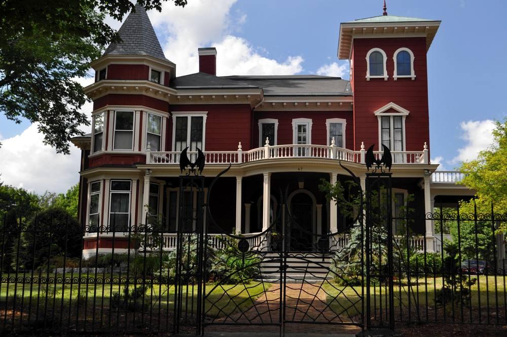 La famosa casa di Stephen King a Bangor, nel Maine (foto di Madeleine Deaton via Flickr)