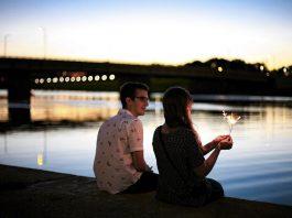 Tra le sorprese romantiche per lei, un posto d'onore spetta sempre all'appuntamento a sorpresa