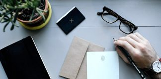 Scrivere lettere a mano