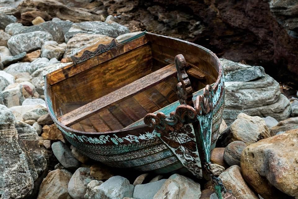 Una barca per passare il fiume
