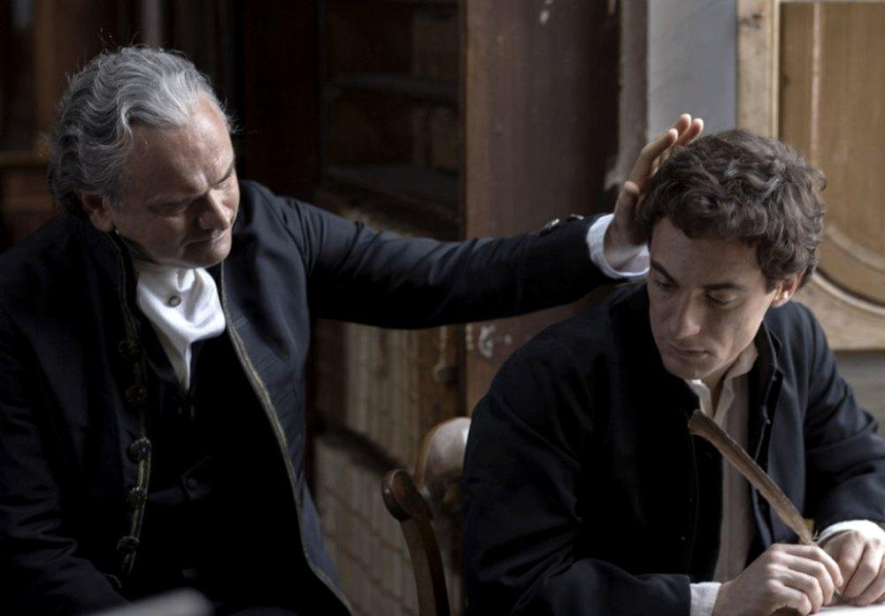 Giacomo Leopardi interpretato da Elio Germano nel film Il giovane favoloso
