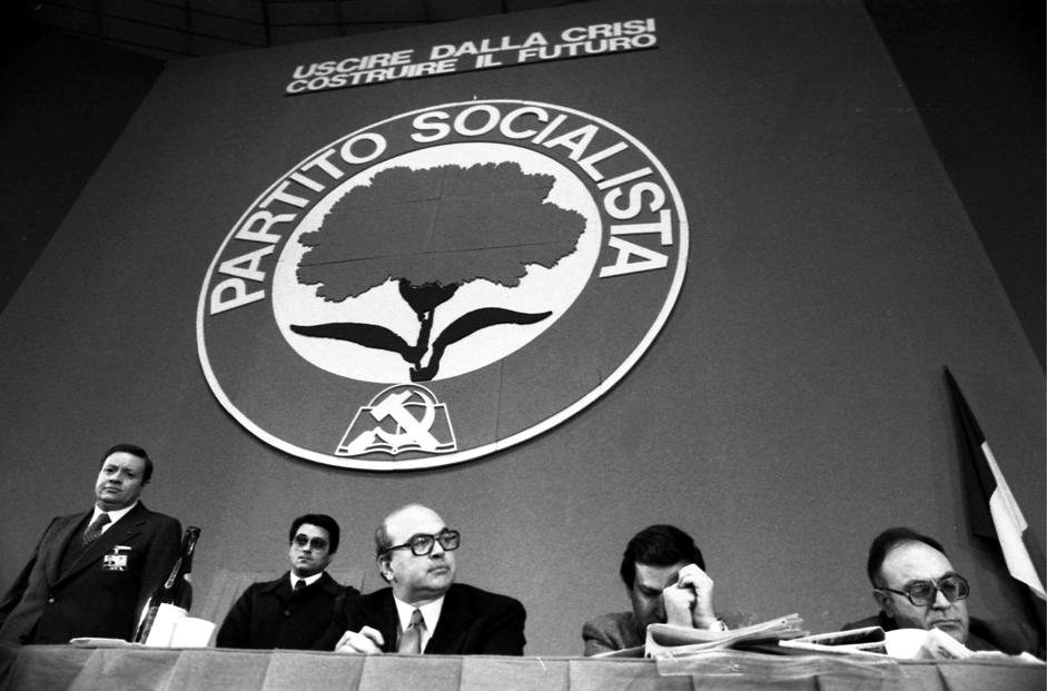 Bettino Craxi in un congresso del PSI del 1978