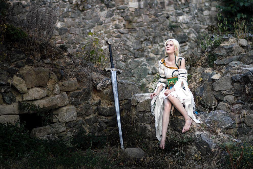 Spada ed eroina: gli elementi base del fantasy (foto di Stefan Schubert via Flickr)