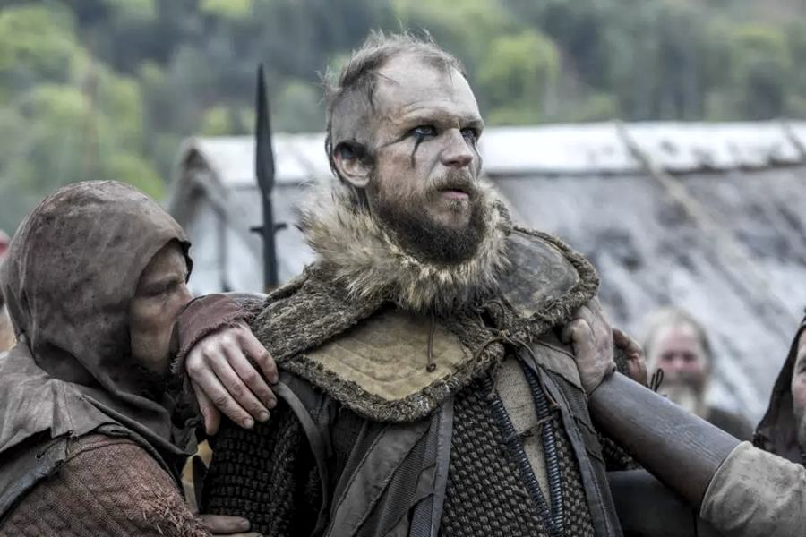 Gustaf Skarsgård in Vikings