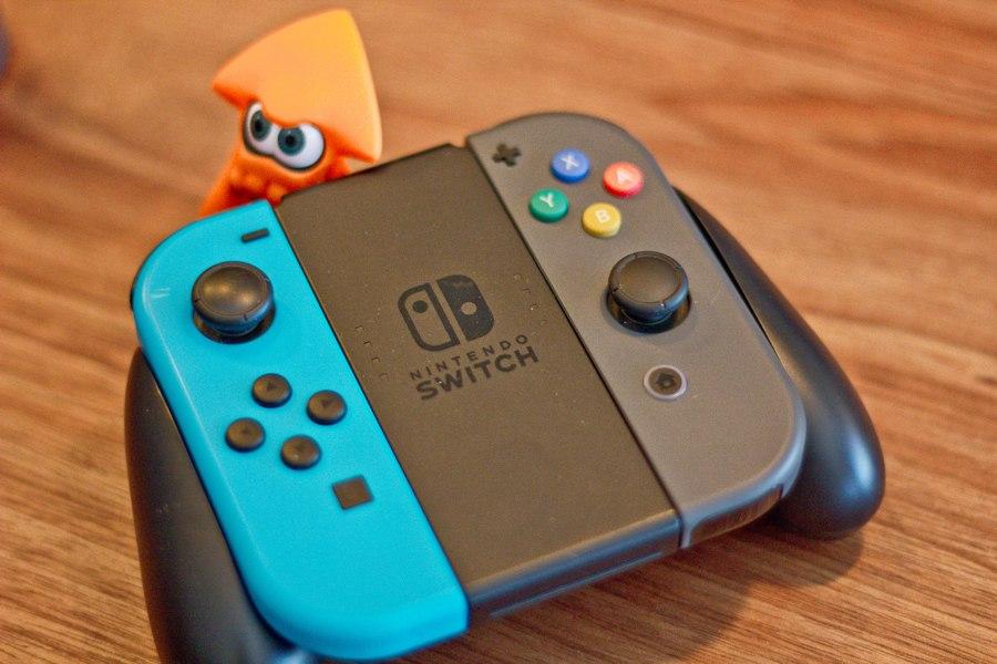 Il controller del Nintendo Switch (foto di Farley Santos via Flickr)