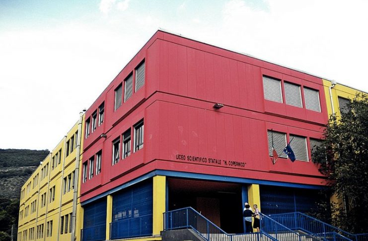 Il Liceo scientifico Copernico di Prato (foto di Massimiliano Galardi via Wikimedia Commons)