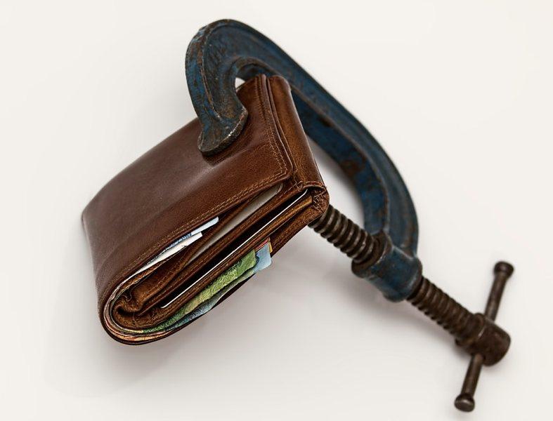 Bisogna imparare a non aprire il portafoglio tanto facilmente