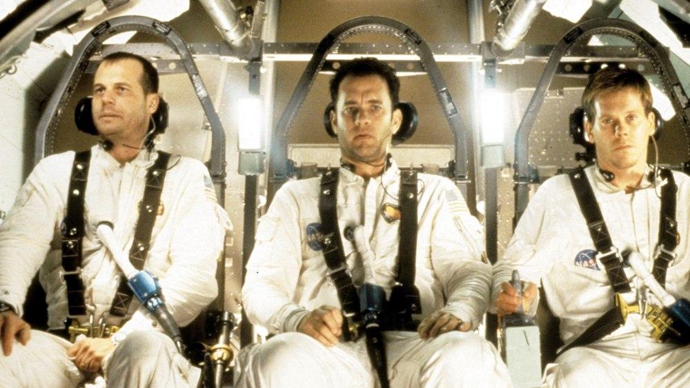 I tre interpreti degli astronauti in Apollo 13, uno dei più bei film sullo spazio: da sinistra, Bill Paxton, Tom Hanks e Kevin Bacon