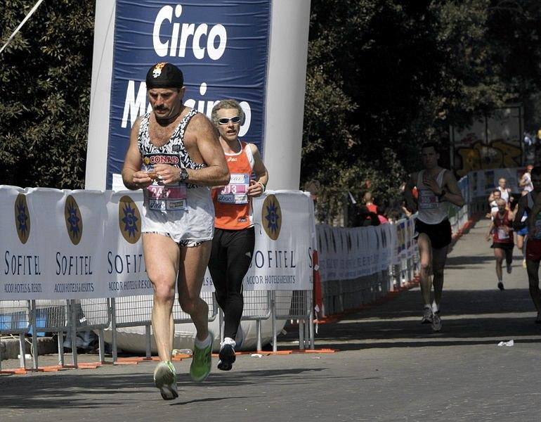 La maratona di Roma passa per il Circo Massimo (foto di Federico Rossi via Wikimedia Commons)
