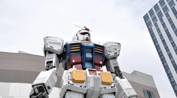 Statua di Gundam – uno dei più importanti robot degli anni '80 – ad Odaiba, nella baia di Tokyo