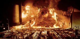 Un fotogramma de L'inferno di cristallo, il padre dei film catastrofici
