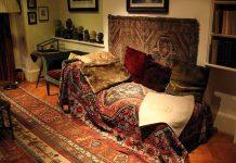 Il divano di Freud (foto di Konstantin Binder)