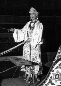 Maria, la figlia di Rasputin, nel 1932, quando si esibiva con un circo