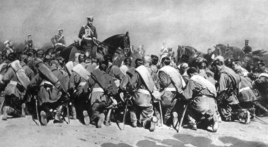 Lo zar Nicola II in visita alle truppe russe