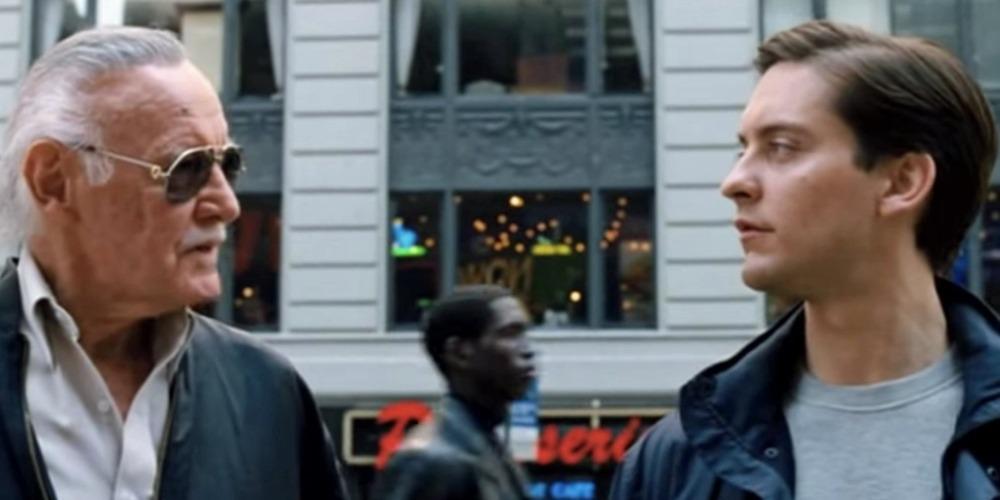 Stan Lee con Tobey Maguire in un film della serie di Spider-Man
