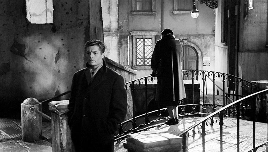 Marcello Mastroianni in Le notti bianche