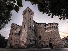 La Rocca di Vignola, uno dei più bei castelli in Emilia-Romagna (foto di Lara Zanarini via Wikimedia Commons)