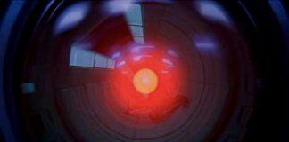 L'occhio di HAL 9000 in 2001: Odissea nello spazio, uno dei più inquietanti film sull'informatica e l'intelligenza artificiale