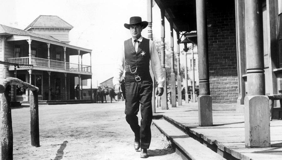 Gary Cooper in Mezzogiorno di fuoco