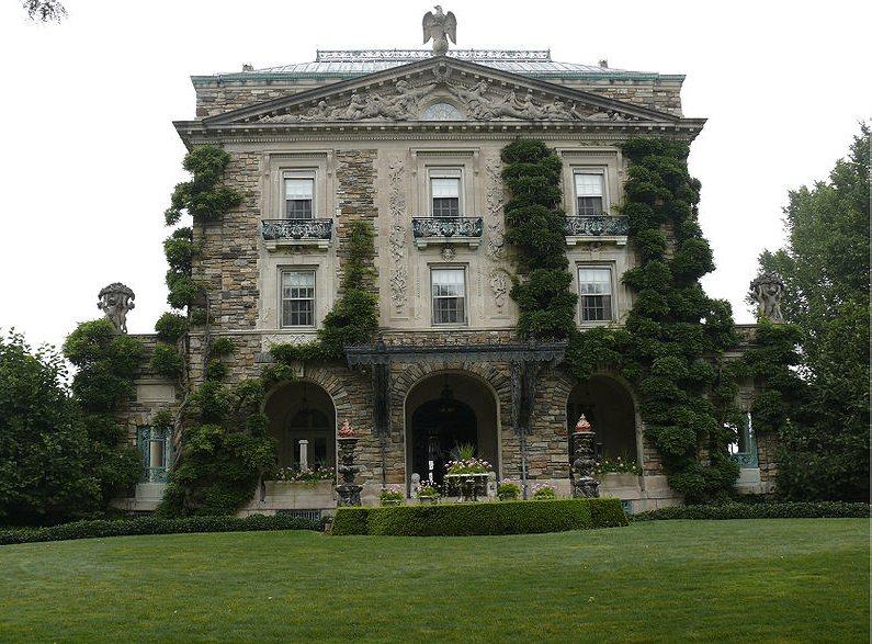 La sontuosa residenza di Kykuit, costruita nel 1913 per volere di John D. Rockefeller (foto e copyright di Ad Meskens via Wikimedia Commons)