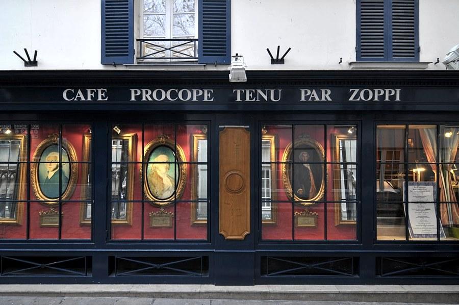 Il Cafè Procope oggi (foto di sergemelki via Flickr)