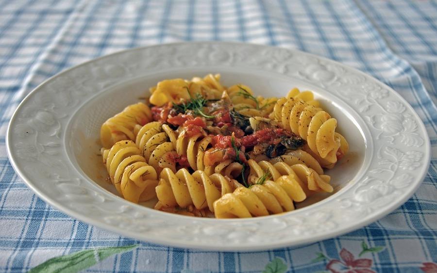 La pasta è uno dei piatti tipici italiani più famosi nel mondo