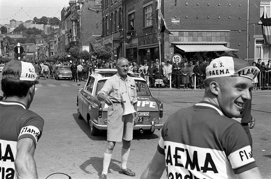 Jacques Goddet nel 1963 durante l'edizione del Tour de France (foto di Harry Pot/Nationaal Archief)
